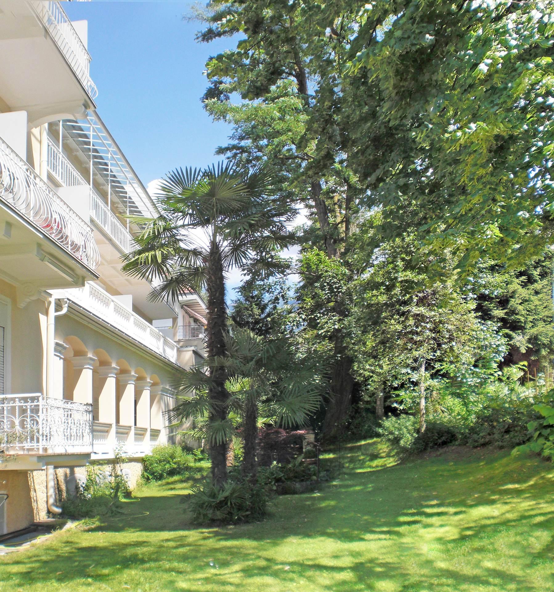 mediterranean garden - residence diana | apartments merano, Garten seite